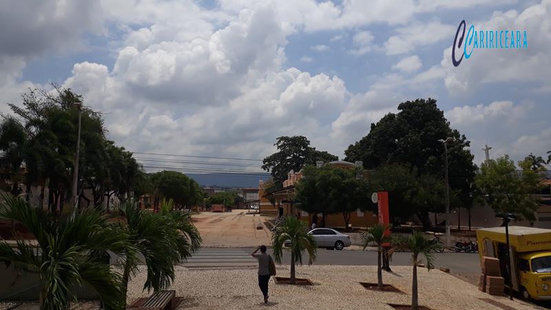 Centro cultural do Araripe, Crato - Tempo Nublado Foro Jota Lopes Ag Caririceara Agência caririceará