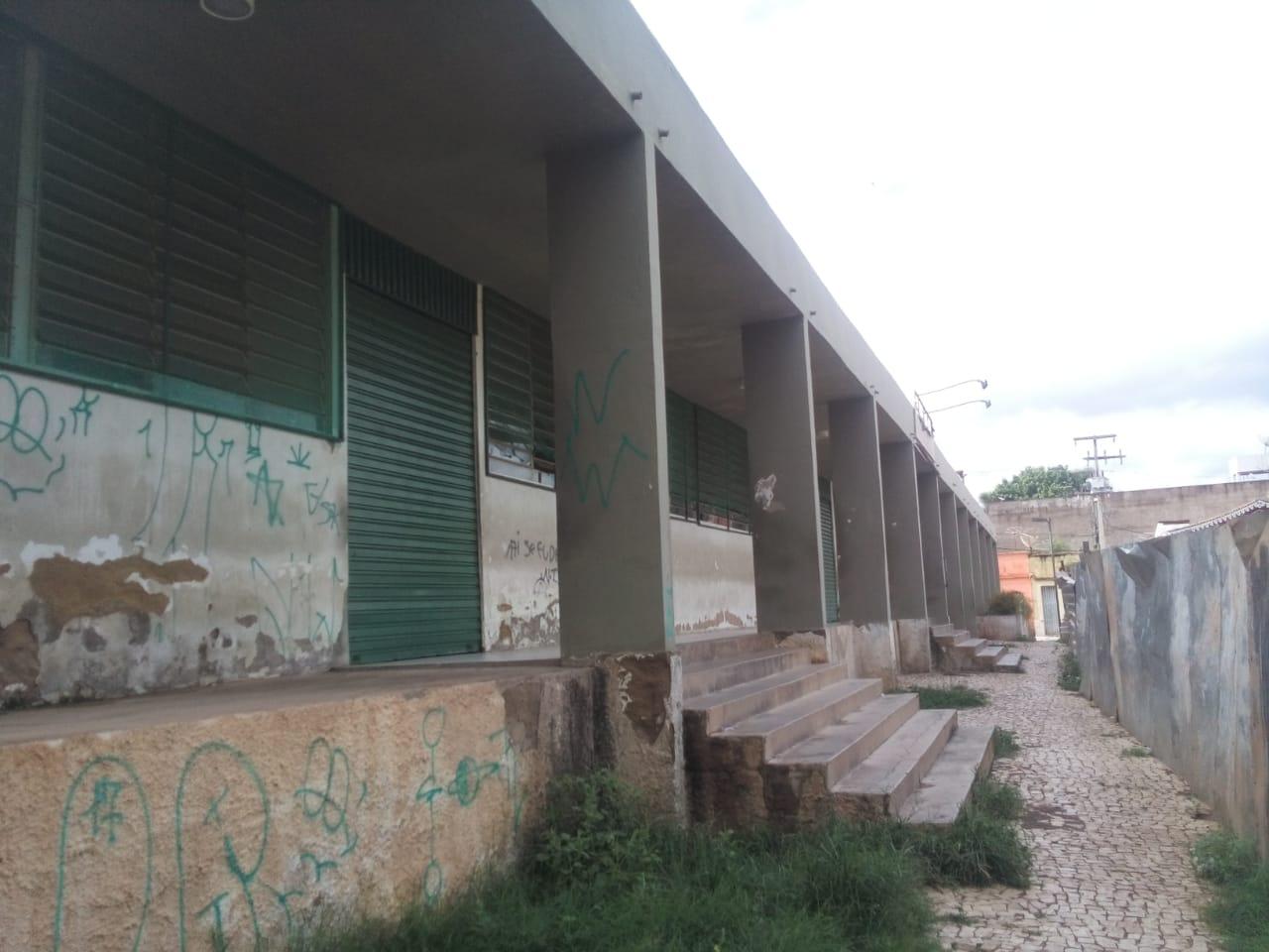 Restaurante Popular do Crato está totalmente abandonado pelo poder púbico. Foto Henrique Macedo_Agência Caririceara (1)