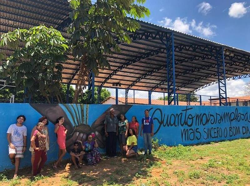 Wanderson Petrova grafita novo equipamento público através do projeto Cores do Crato DIVULGAÇÃO