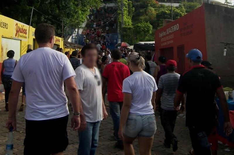 Aglomeração de pessoas em Juazeiro do Norte Foto Arquivo (Copy)