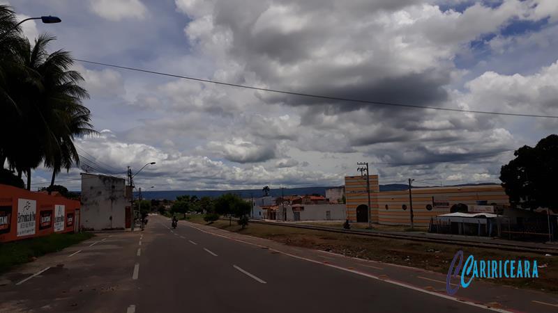 Avenida Paulo Maia, Salesianos, em Juazeiro do Norte - Tempo Nublado_ Foto Jota Lopes_Agência Caririceara.com (4)