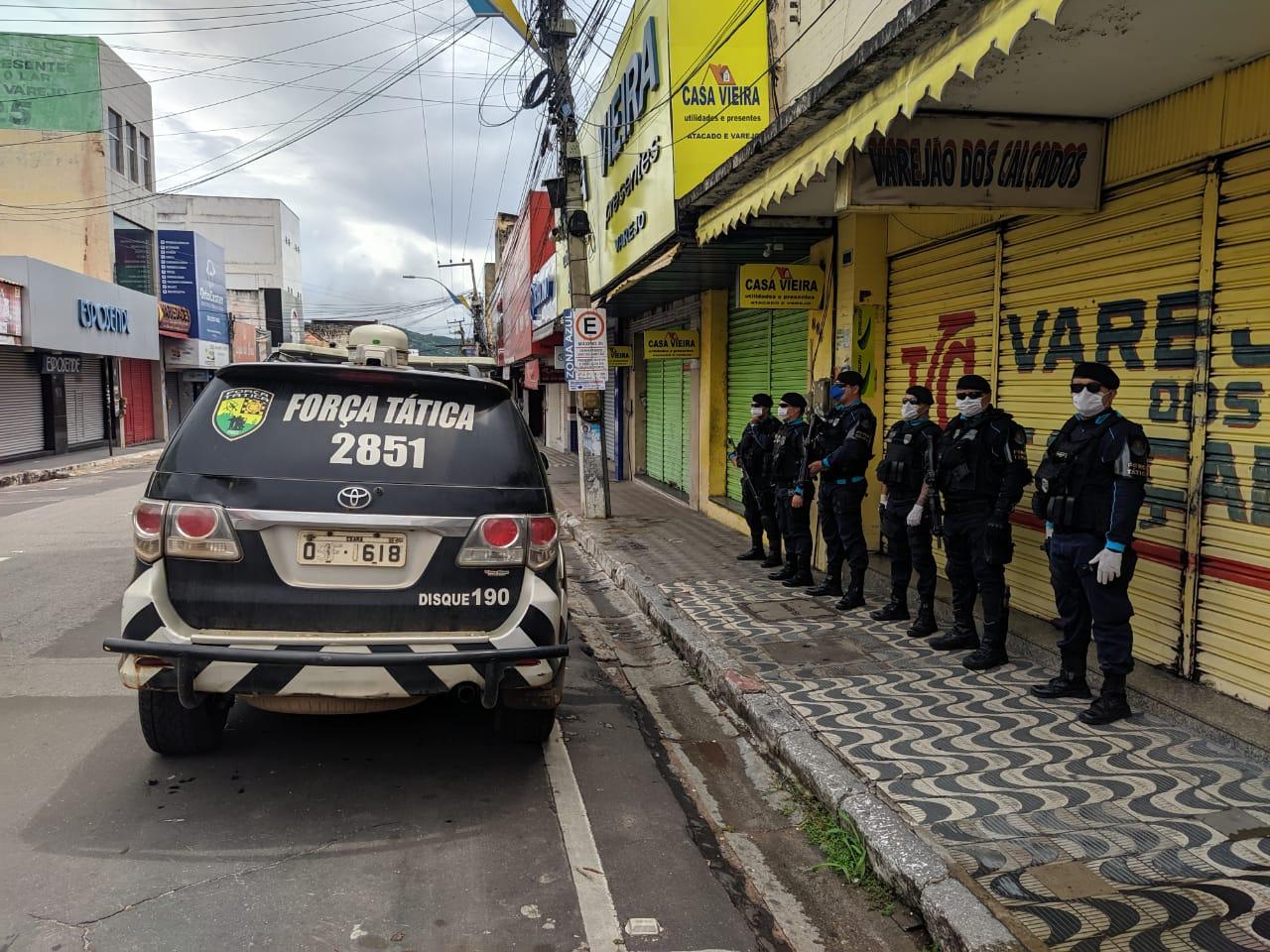 Força Tática do 2° BPM desenvolve ações visando garantir a segurança da população Juazeirense, nesse período de combate ao COVID-19 - Agência Caririceara (1)