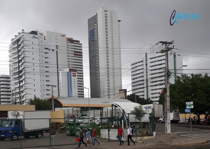 Tempo nublado em Juazeiro - - 03.março_202 Foto Jota Lopes-Agência Caririceara (2)