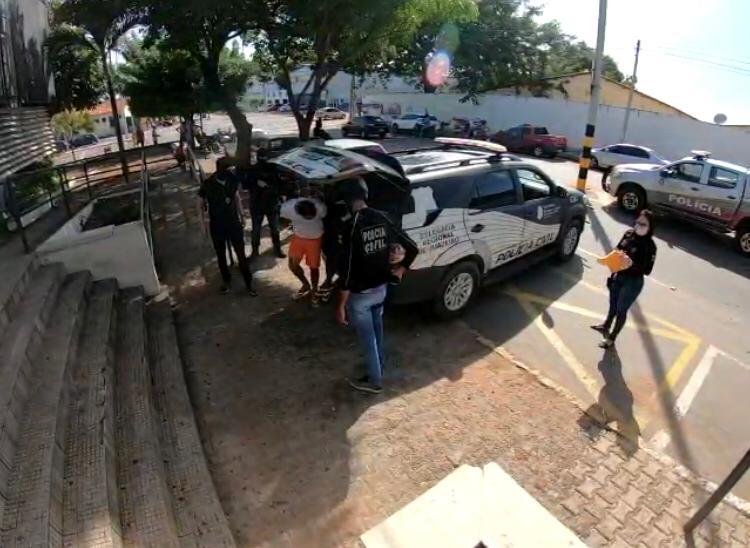 Polícia Civil desarticula grupo suspeito de transportar drogas de Fortaleza para o Cariri