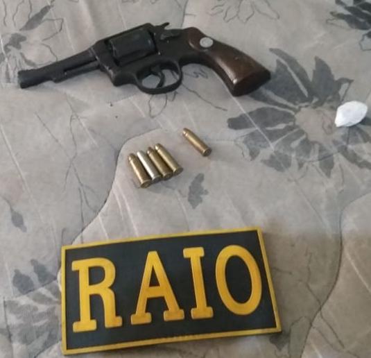 Homem de 28 anos é preso pelo Raio ao ser flagrado na posse de arma de fogo e munições em Barbalha Foto Redes sociais