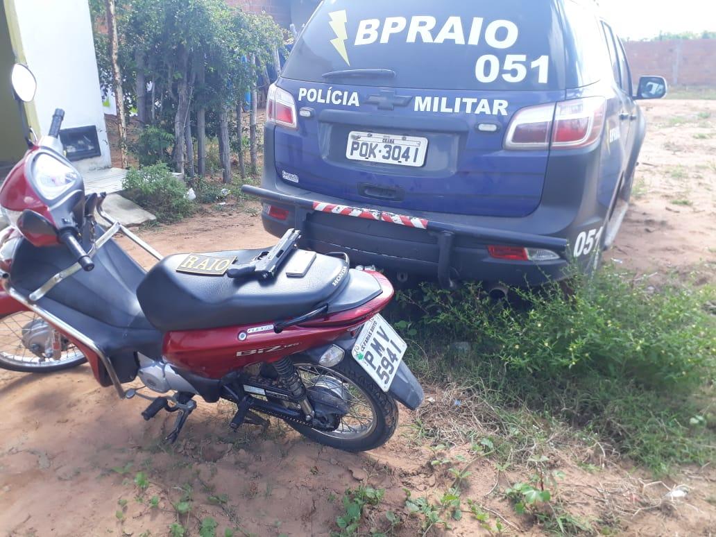 Militares do Raio recuperam moto com queixa de furto em Crato Foto redes sociais