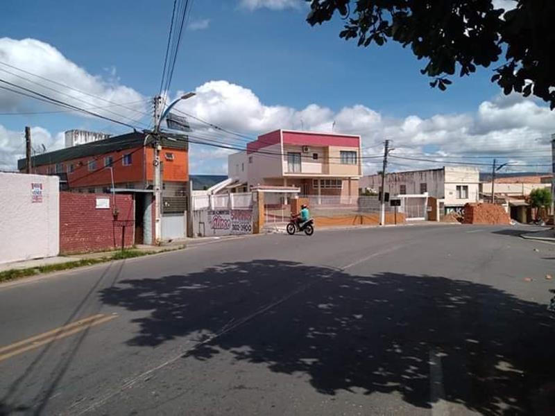 Moradores pedem melhor sinalização em cruzamento no bairro Pinto Madeira, em Crato FOTO REDES SOCIAIS