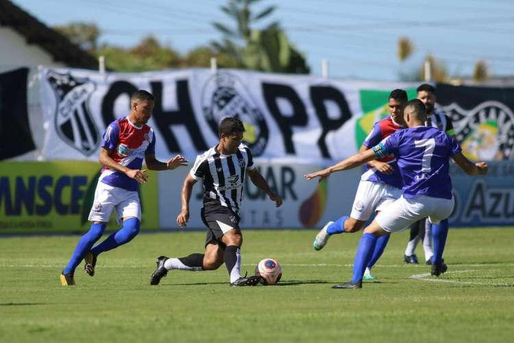 Ceará foi superior durante todo o jogo e saiu de campo com a vitória sobre a Raposa dos Verdes Canaviais (Foto Pedro Chaves-FCF)