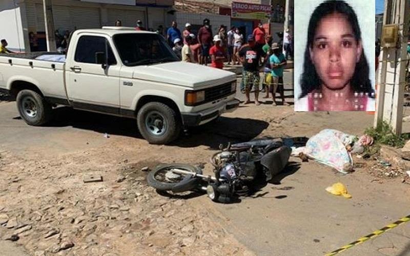 Mãe e filha morrem após colisão entre moto e camionete em Jardim