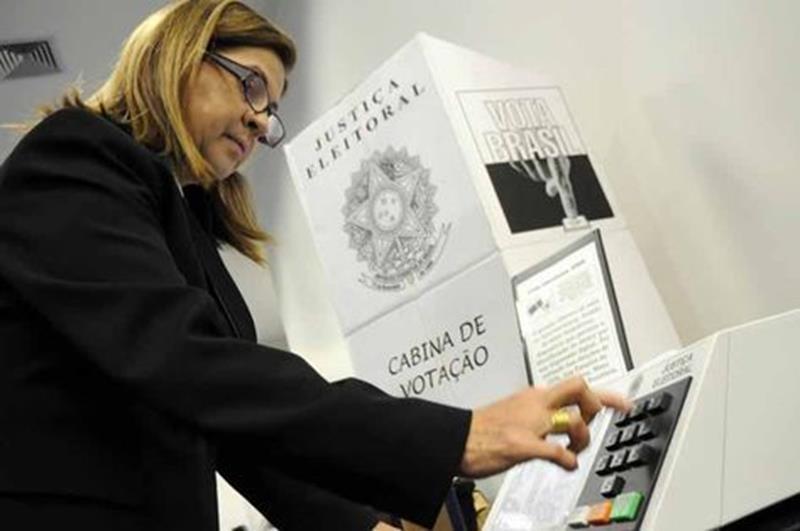 mulher-votando foto divulgação
