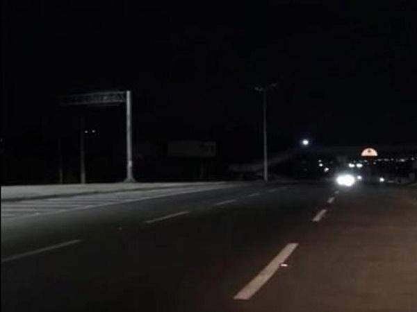 Falta de iluminação em trecho de rodovia que liga Crato e Juazeiro do Norte gera riscos a motoristas e pedestres