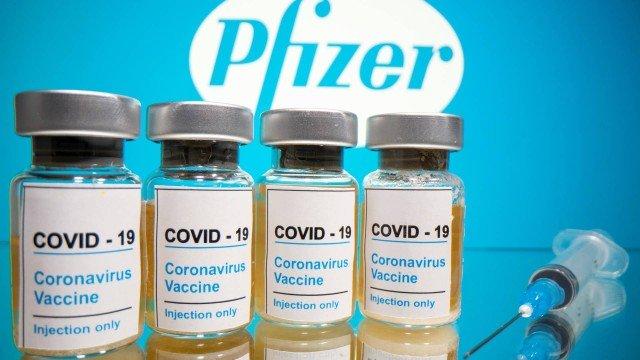 Frascos da vacina em estudo da farmacêutica americana Pfizer Foto- DADO RUVIC - DADO RUVIC