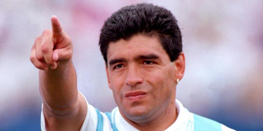 diego-maradona-com-a-camisa-da-selacao-argentina-na-copa-de-1994-1604515915668_v2_900x506