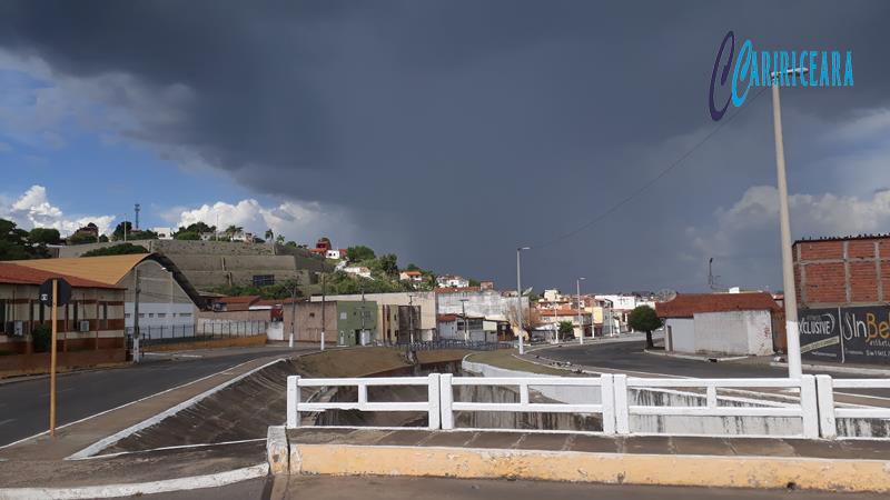 Av. José alves de Figuereido em Crato - NUBLADO- Foto Jota Lopes - Ag. Caririceara (3)