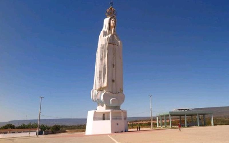 Monumento (Estátua) de Nossa Senhora de Fátima em Crato-CE