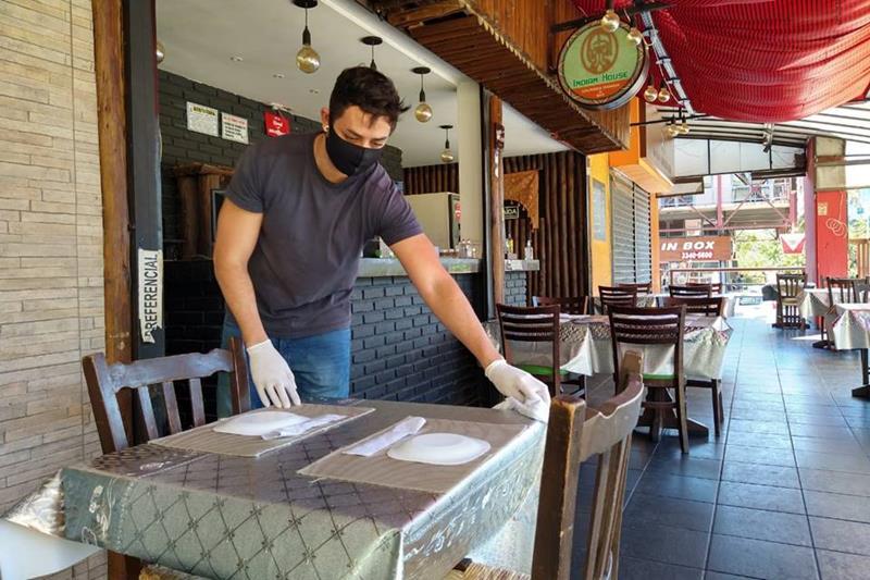 Ceará abre cadastro para solicitação de auxílio financeiro aos profissionais do Setor de Bares e Restaurantes nesta segunda-feira (29) FOTO DIVULGAÇÃO