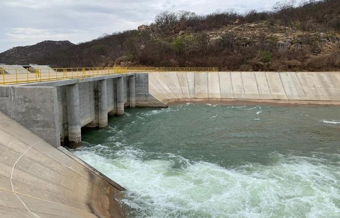 Águas do Rio São Francisco são liberadas para o Reservatório Porcos, no Ceará