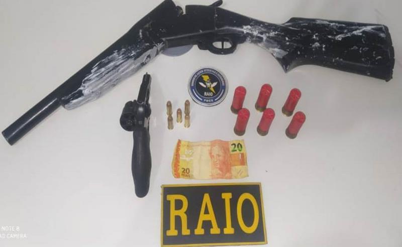 Armas e munições apreendidaS pela Policia em poder de Jefferson e Kairon FOTO: REDES SOCIAIS
