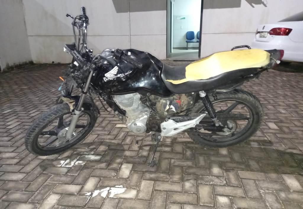 Policiamento do Raio recupera moto tomada de assalto em Crato FOTO POLICIA MILITAR DO CEARÁ - DIVULGAÇÃO