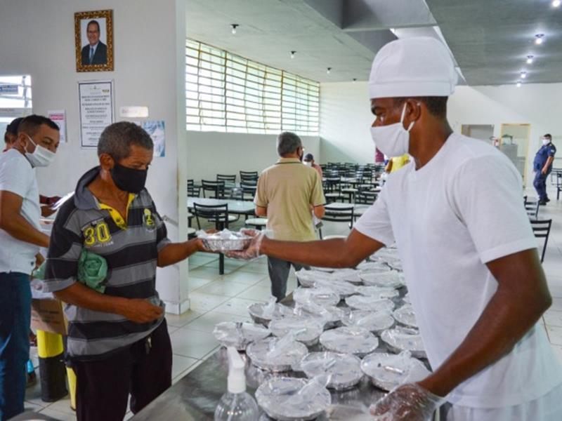 Restaurante popular do Crato oferta 16 mil marmitas à população de baixa renda e em vulnerabilidade social