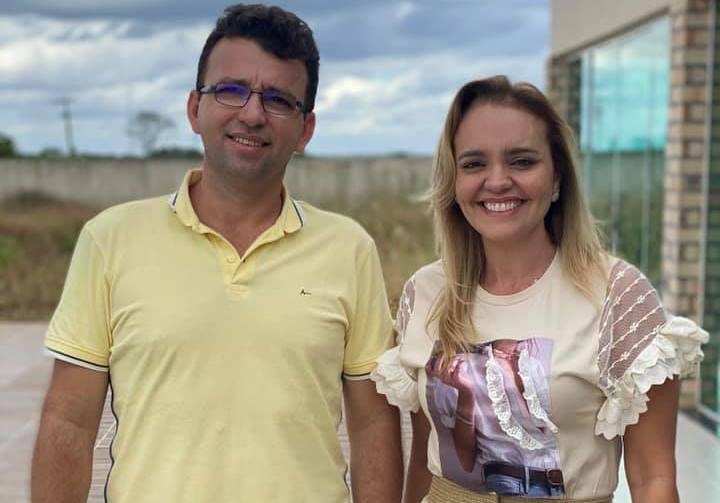 Denúncias do MPE que apontam que o Prefeito, Edézio Sitonio e a vice-prefeita, Erika Frota, eleitos em 2020, realizaram compra de votos e cometeram abuso de poder econômico (Foto: Reprodução/Facebook)