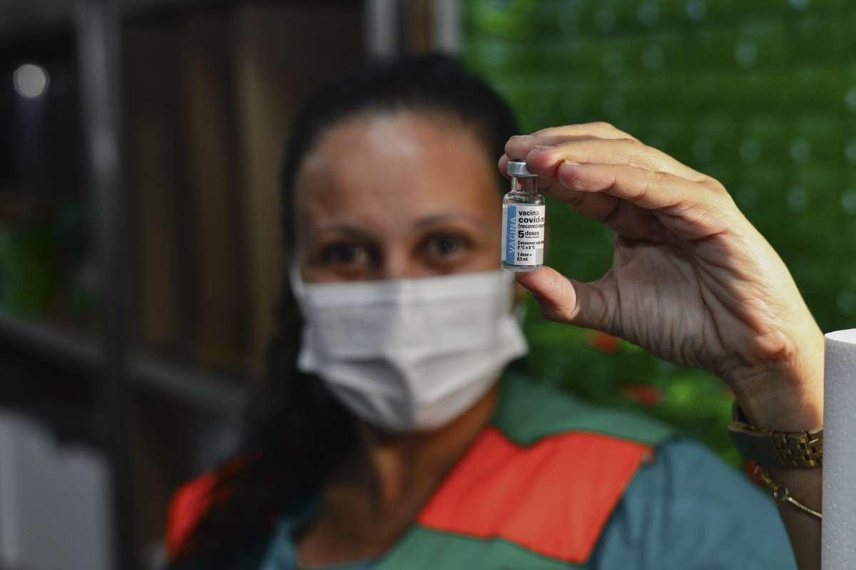 Imunizantes serão destinados para aplicação da primeira e segunda doses