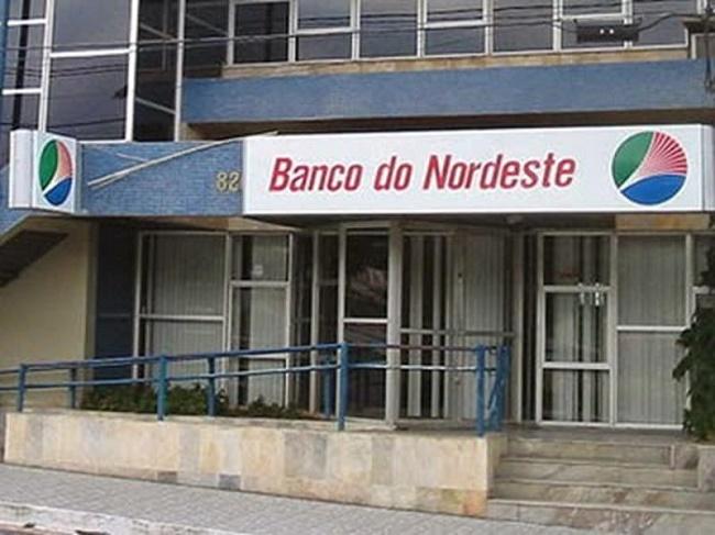 Agência do Banco do Nordeste (BNB) que funciona na Praça Marechal Castelo Branco, no Centro de Lavras da Mangabeira. FOTO: DIVULGAÇÃO