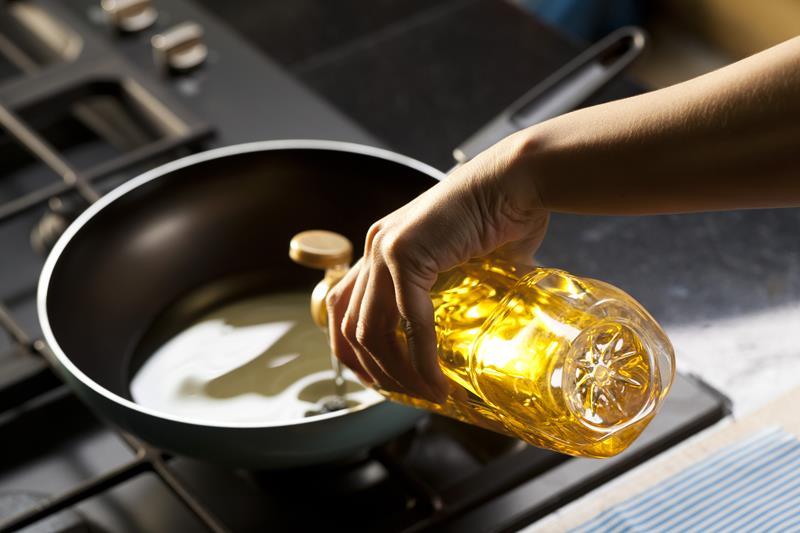 Óleo de cozinha_Shutterstock