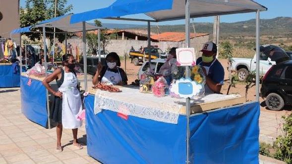 Pequenos produtores da Vila São Francisco, em Crato expõem produção em feira da agricultura familiar