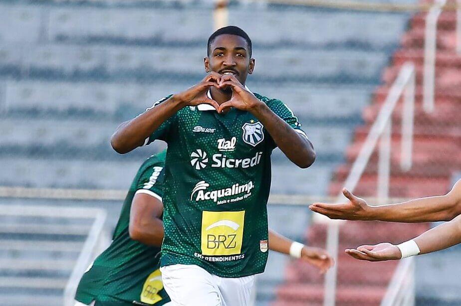 Gabriel Santos se destacou na Caldense (Foto: Renan Muniz/Caldense)