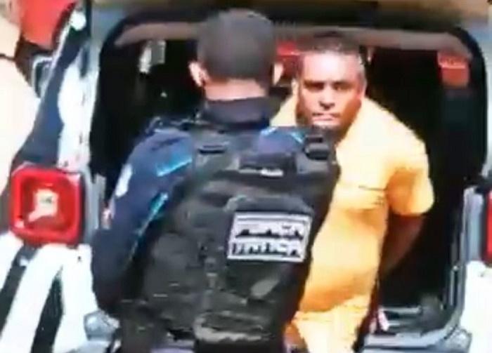 Homem é preso suspeito de estuprar e matar a própria mãe em Mulungu, no interior do Ceará — Foto: TV Verdes Mares/Reprodução