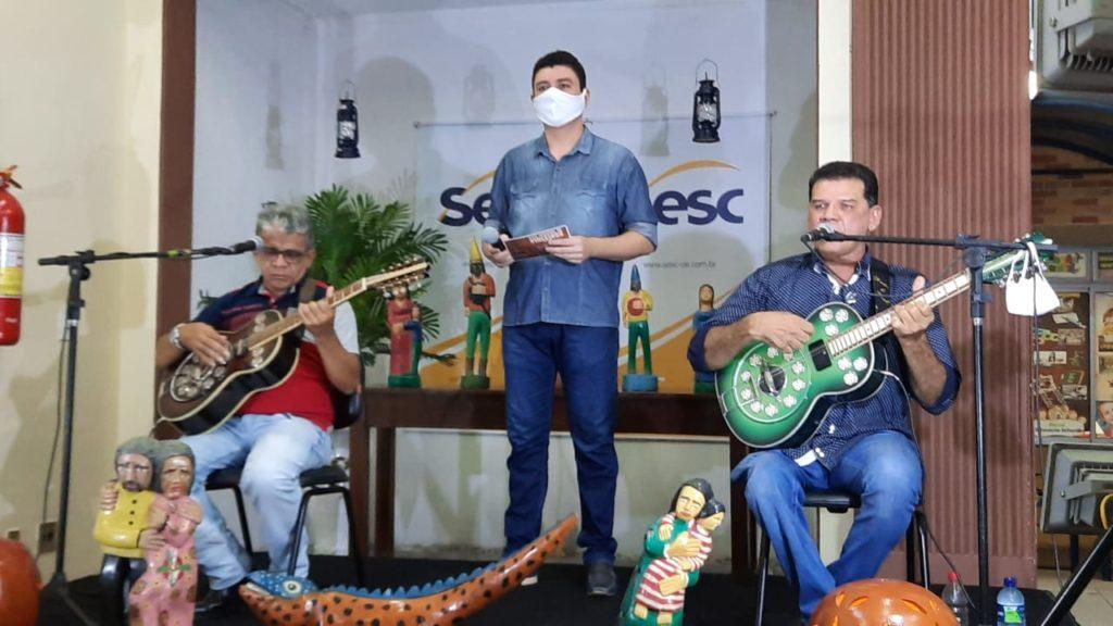 O-evento-teve-apresentacao-do-poeta-Jonas-Bezerra-FOTO-WB-1024x576