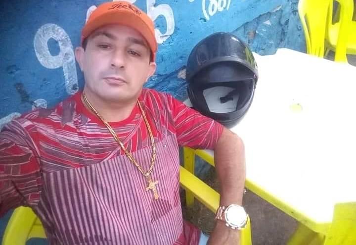 """Manoel Rodrigues da Silva,, de 44 anos, o """"Neto"""" como era apelidada a vítima morreu no local do crime. Foto: Redes sociais"""